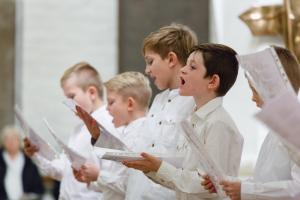 TRADITION: Korskoledrengene deltager i Syngedrengenes årlige julekoncert i en altid stopfyldt Vor Frue Kirke.
